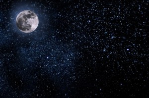 nightly-sky-with-large-moon